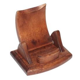 Dřevěný stojánek na mobil hnědý