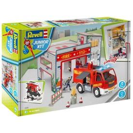 Revell Junior Kit 00825 Fire Truck a Fire Station