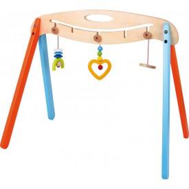Dřevěná hrazdička s hračkama