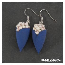 Živé šperky - Náušnice Tulipán modré s trvalými bílými květy