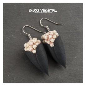 Živé šperky - Náušnice Tulipán černé s trvalými bílými květy