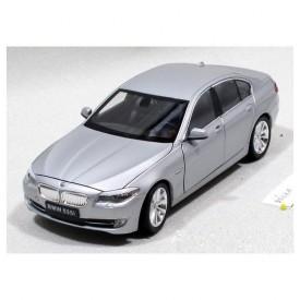 Welly -  BMW 535 i model 1:24 stříbrné