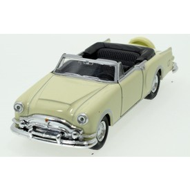 Welly - Packard Caribbean (1953) model 1:34 krémová