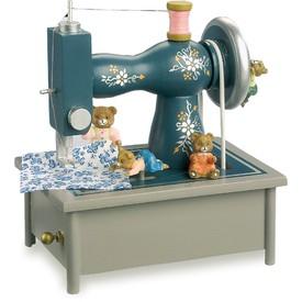 Dřevěná hrací skříňka - Šicí stroj