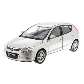 WELLY Hyundai i30 stříbrné 1:24
